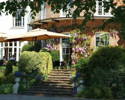 Lee Smith Magic - FEATURED VENUES - St Michael's Manor